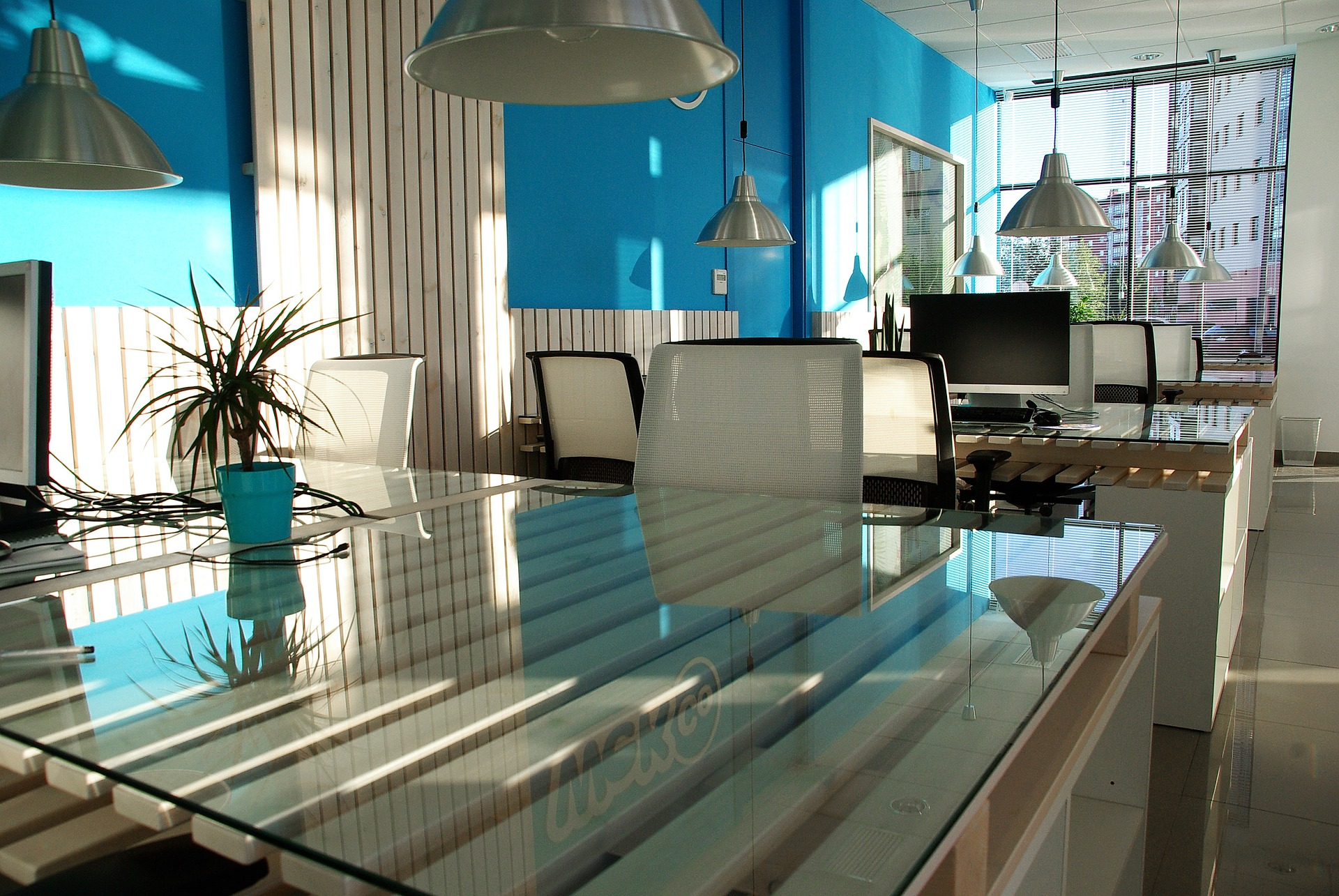office-space-1744803_1920